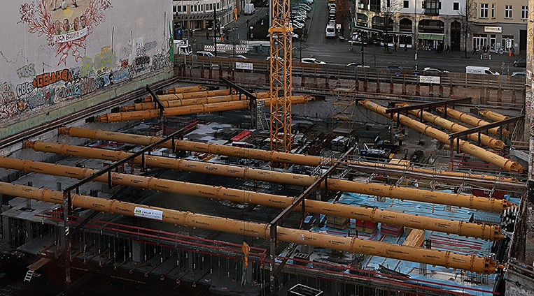 Complex propping project in Berlin